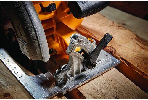Dewalt DCS573B blade control