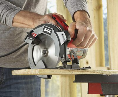 SKIL 5280-01 15-Amp 7-1 4-Inch Circular Saw with Single Beam Laser Guide - in action