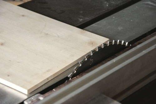 plywood and circular saw blade