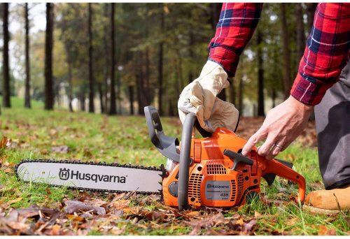 Husqvarna 435 put on the grass